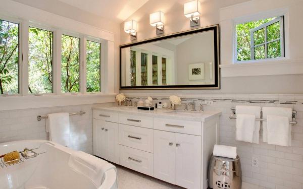 baie moderna alba