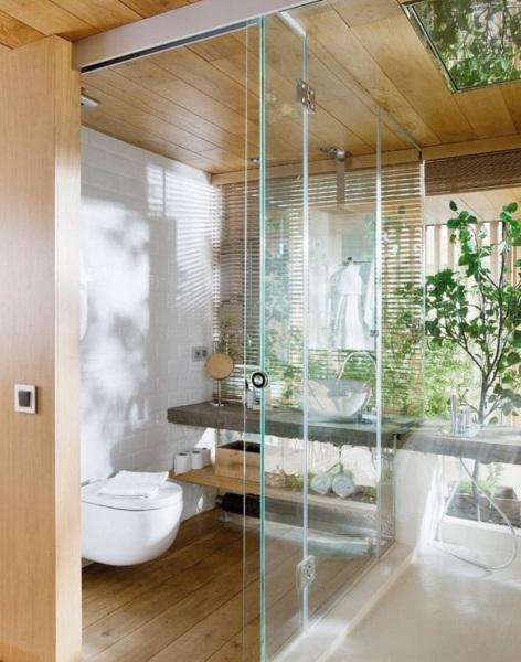 baie moderna amenajata in stil eco pardoseala din lemn impermeabil