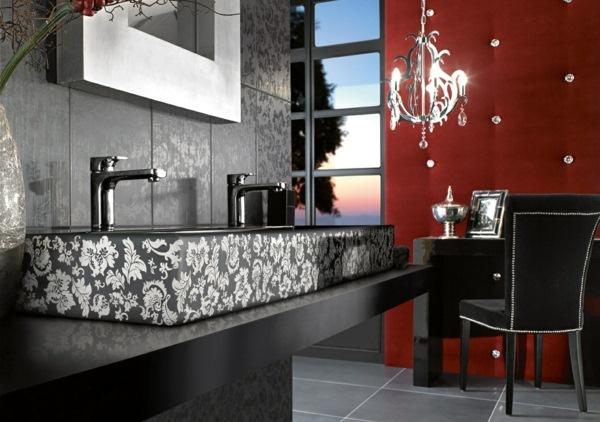 baie negru rosu