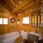 baie rustica casa din lemn ieftina