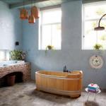 baie stil eclectic cu accente rustice si pereti placati cu caramida