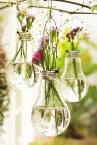 becuri transformate in vaze decorative handmade