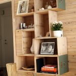 biblioteca living confectionata din sertare vechi lemn