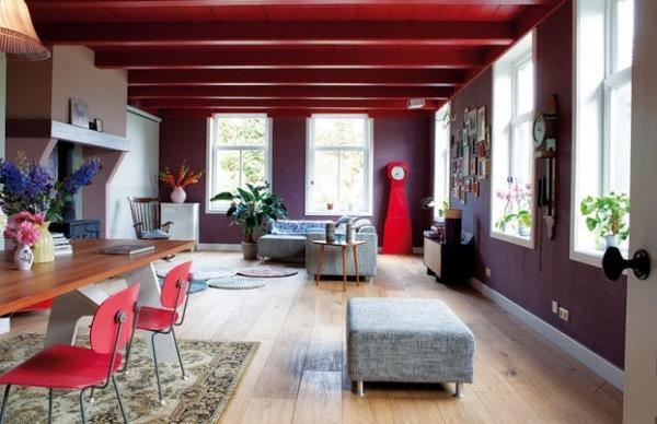 birou spatios amenajat intr-o casa in stil eclectic