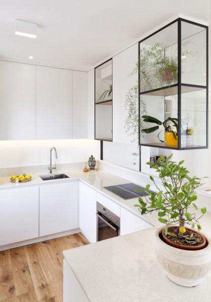 bucatarie alba stil minimalist