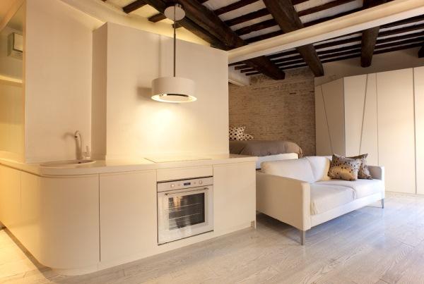 bucatarie apartament mic bloc