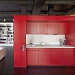 bucatarie culoare rosie apartament modern