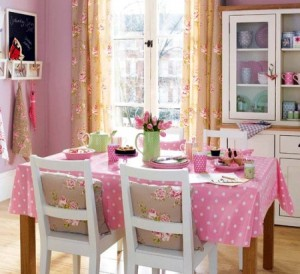 bucatarie decorata roz
