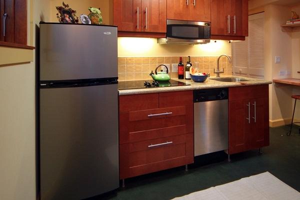 bucatarie moderna mobila lemn casa mica 38mp