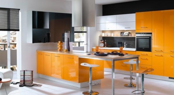 bucatarie portocalie moderna