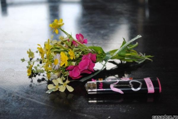buchet mic flori gradina