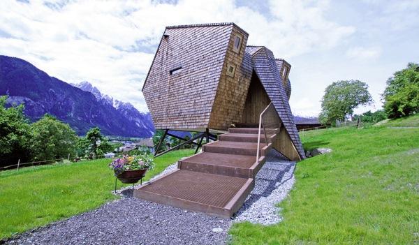 cabana lemn exeterior imbracat in dranita scara acces ufogel munti austria tirol
