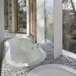cada baie incastrata in suport placat cu piatra naturala