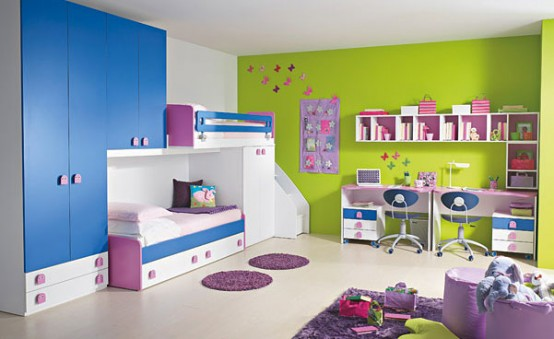 camera de copii albastra