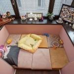 camera de relaxare amenajata in balcon mic garsoniera sau apartament
