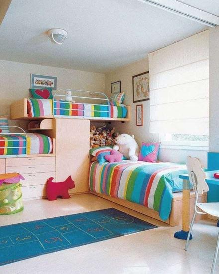 camera trei fetite