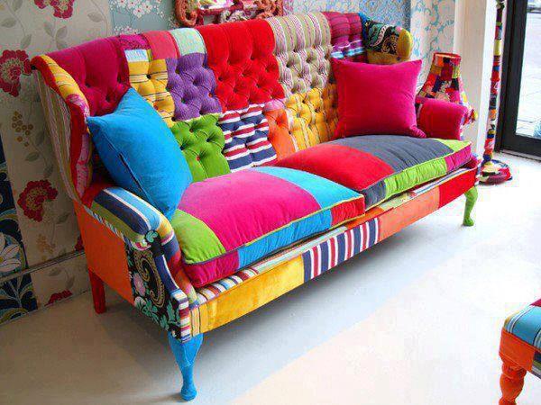 canapea colorata