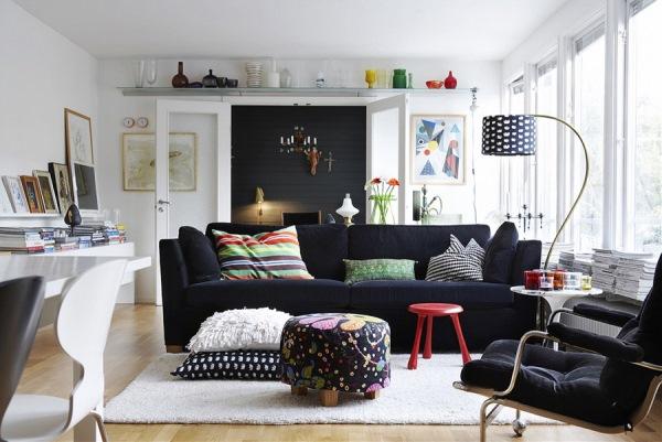 canapea neagra interior living stil scandinav