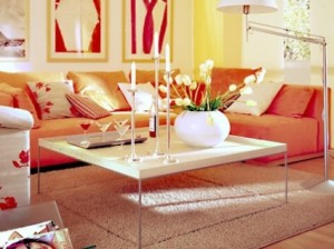 canapea portocalie living modern apartament