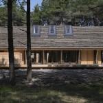Casa ecologica moderna imbracata in iarba de mare, la pretul de 350.000 lire sterline