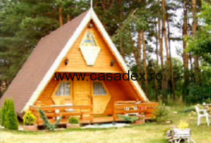 casa mica lemn