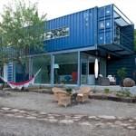casa moderna design industrial construita din 4 containere maritime reciclate