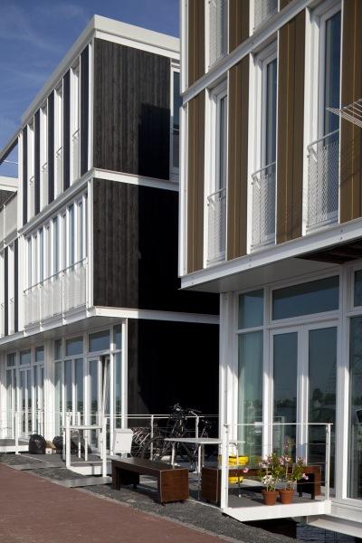 casa plutitoare prefabricata amsterdam exterior siding lemn