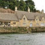 case medievale din piatra bibury cel mai frumos sat din anglia