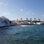 cele 5 mori de vant pe un deal de pe coasta insula Mykonos