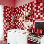combinatie faianta alb rosu si bordo pentru bucatarie