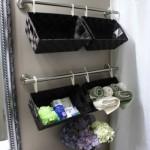 cosulete decorative suspendate pentru depozitarea obiectelor si produselor de igiena din baie