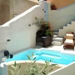 curte interioara piscina casa grecia