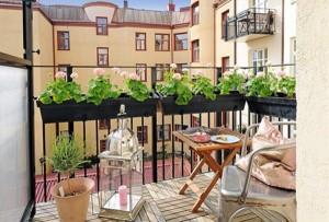 dale din lemn pardoseala balcon mic apartament