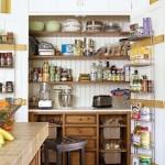 debara bucatarie cu rafturi si sertare pentru conserve de iarna si legume