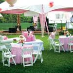 decor alb roz petrecere in aer liber in gradina casei