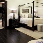 decor amenajare dormitor de lux pardoseala dusumea lemn wenge culoare inchisa