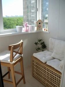 decor balcon mic apartament