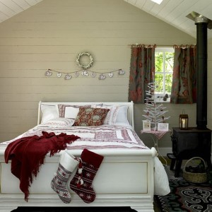 decor de craciun in dormitor scandinav