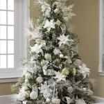decor ornamente albe pom craciun