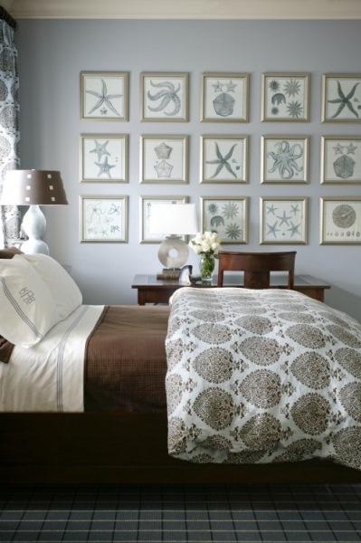 decor perete dormitor tablouri cu scoici si stele de mare