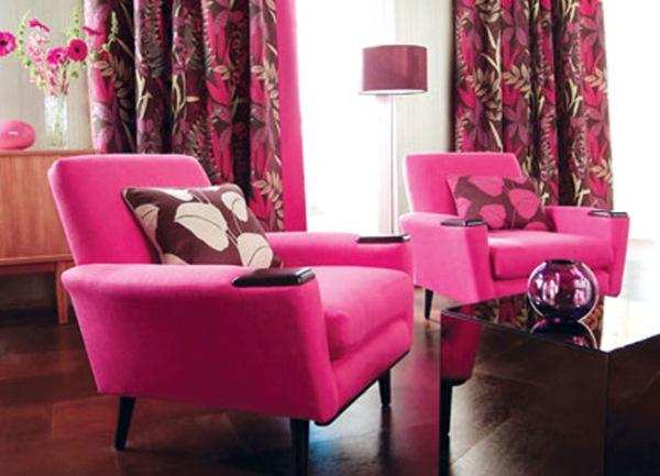 decor roz si maron living modern plin de culoare