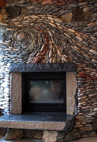 decor semineu piatra naturala rau montata circular