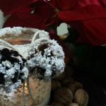 Decoratiuni handmade din borcane goale pentru masa de Craciun