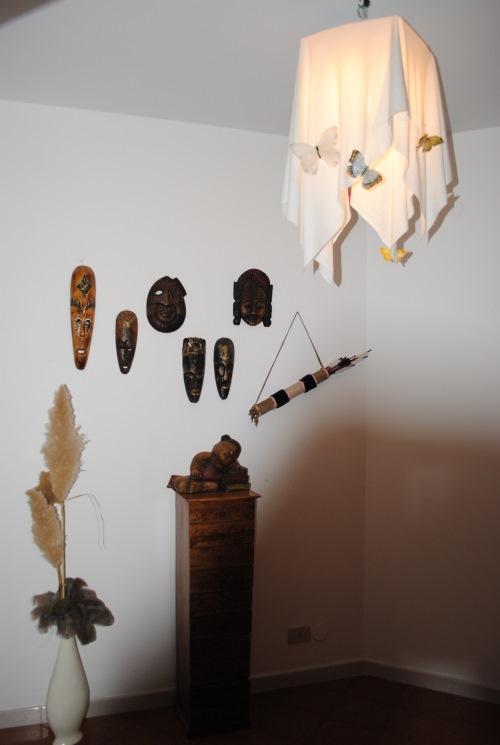 decoratiuni perete hol intrare apartament