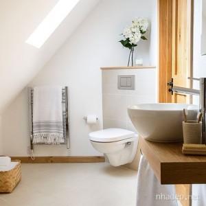 design interior baie amenajata stil minimalist japonez in mansarda