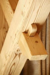 detaliu imbinare grinzi lemn