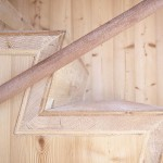 detaliu scara interioara casuta lemn ufogel austria