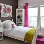 dormitor adolescenta decorat in alb roz si ciocolatiu