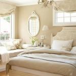dormitor alb si bej amenajat in stil clasic