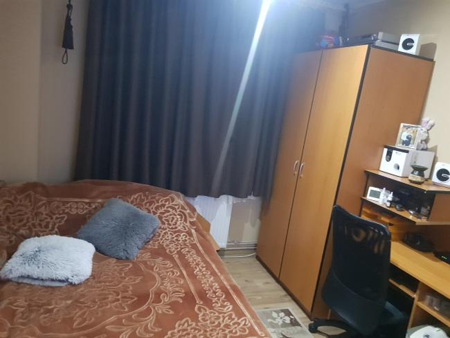 dormitor amenajare patutcopil si pat mare